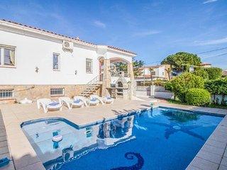 Villa de 5 habitaciones, 3 banos, piscina privada, gran parcela