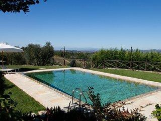 Appartamento PAESAGGIO con vista panoramica e piscina