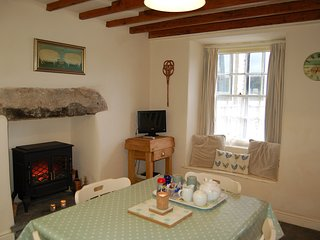 CRAIG FACH COTTAGE NO 2 in Barmouth