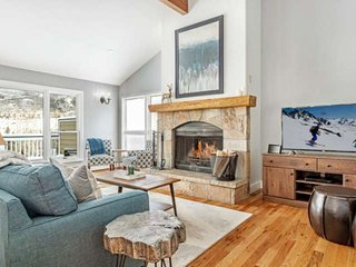 Pet Friendly, Close to Vail & Bvr Crk, Next to West Park, Great for Large Groups