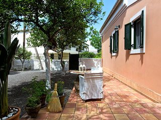 ★ Casa Paleopolis near Royal Baths Mon Repo ★