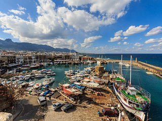 Harbour view flat in Kyrenia -Girne