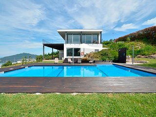 4 bedroom Villa in Rebordoes, Viana do Castelo, Portugal : ref 5604725