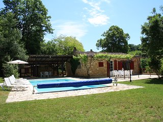 COMBEJALADE: SPACIOUS STONE PROPERTY & POOL IDEAL FOR LARGE GROUPS