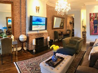 "$150nt 2/3-2/15 GORGEOUS NEW RENOVATION QUIET-65""TV BOSE FIREPLACE HI CEILINGS"