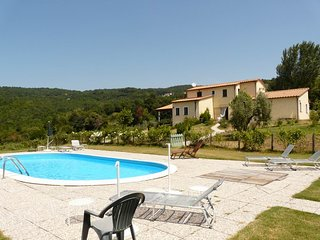 Villa with swimming pool and airco, quiet and comfortable