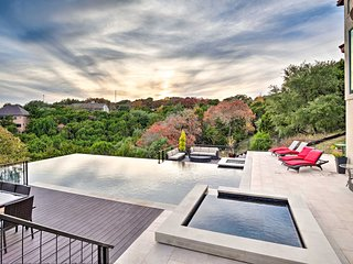 Chic Austin Home w/Infinity Pool- Mins to Downtown