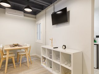 Newly Decorated and Cute 2 Bedrooms Apartment by Camp Nou of FC Barcelona