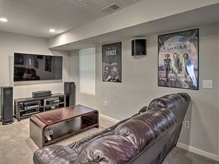 Apartment w/Media Room - 15 mins to Atlanta!