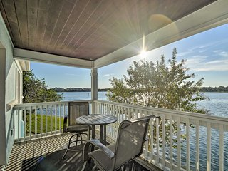 NEW-Waterfront St. Petersburg Condo-5 Mi to Dwntwn