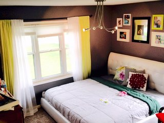 Lycel's Sweet Digs in Minneapolis {Lakes+Sunsets+Trails}