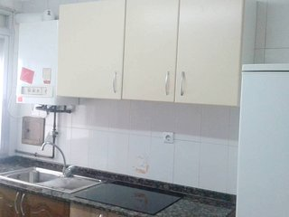 Spacious apartment in the center of Logrono with Lift, Parking, Washing machine,