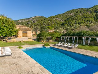 Finca Son Esteve pool wifi sleeps 12 next Port Andratx Mallorca