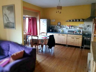 Spacious house close to the center of Namur with Parking, Internet, Washing mach