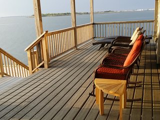 Fabulous Bayfront Pano -View Home with Dock-Great for Multiple Families