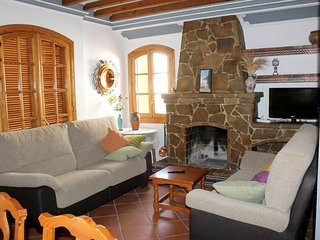 Spacious house in the center of Ardales with Parking, Washing machine, Terrace