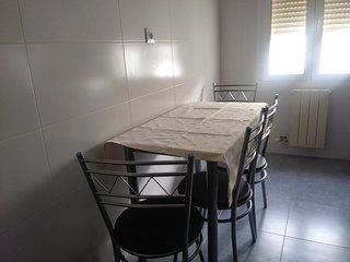 Spacious apartment in the center of Logrono with Parking, Washing machine, Balco