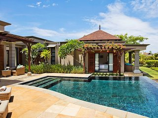 Stunning Villa | FREE Breakfast + PRIVATE Infinity Pool