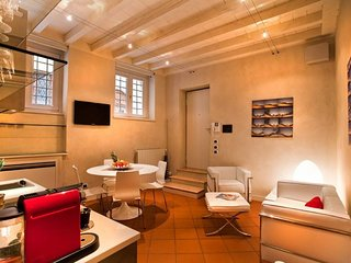 Cozy apartment in the center of Verona with Internet, Air conditioning