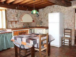 Spacious apartment in Braccagni with Parking