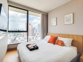 Gorgeous & Cosy 2bed in lovely Condo at the Lumpini