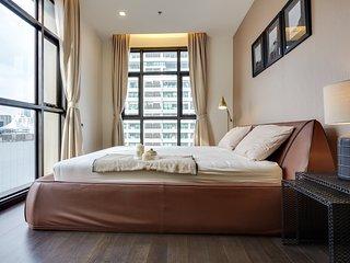 Stylish & Modern 1 Bed 2 Bath Apt w/Balcony in The XXXIX Condo