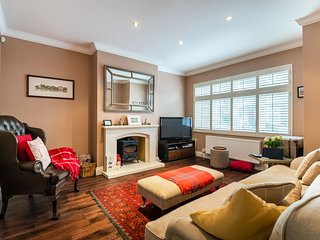 Modern Richmond Home near the River Thames