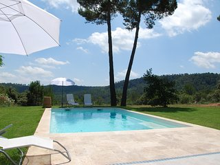 Comfortable house close to the Verdon NP & lake of Ste Croix, pool & garden
