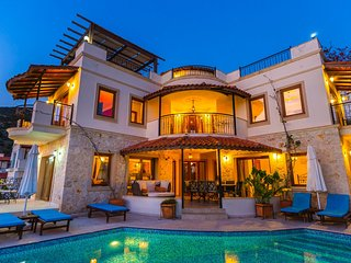 Villa Vaha, Situated at 200 metres from the shores of the Mediterranean