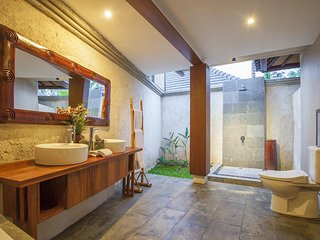 1 Bedroom Villa with Private Pool - Breakfast#TheKUV