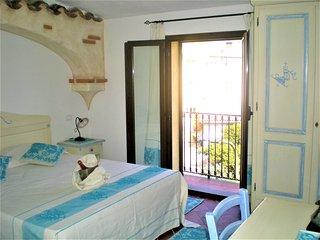 Faunele 6 - Camera matrimoniale con balcone e bagno privato