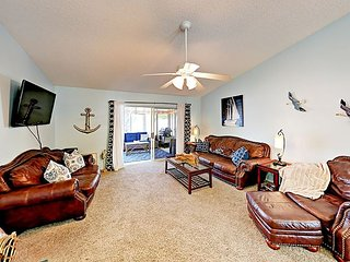 Minutes to Honeymoon Island State Park! 3BR w/ Sunroom, Yard & Pool