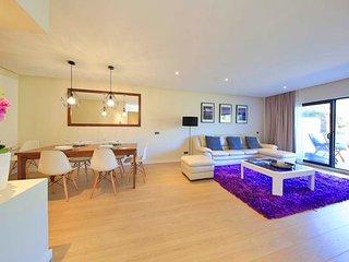 2 bedroom Apartment in Quinta do Lago, Faro, Portugal : ref 5696367