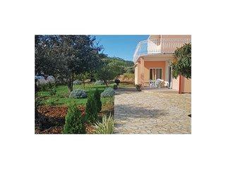 3 bedroom Villa in Gustirna, Splitsko-Dalmatinska Županija, Croatia : ref 569644
