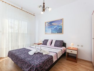 Poljica Kozicka Apartment Sleeps 4 with Pool Air Con and Free WiFi