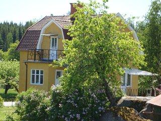 Ferienhaus Västervik mit Sauna, Boot,  Internet nahe Badesee und Schären, 6 Pers