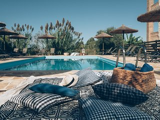 ALEGRIA VILLAS, Maisonettes-Boutique Apartmets(3Bedrooms), Pool, Beach, Sea View