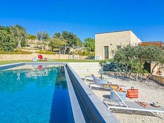 3 bedroom Villa in San Corrado di Fuori, Sicily, Italy : ref 5696098