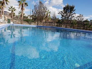 Casa Bonita only 480 m to beach, beautiful mountain view, Wifi, central location