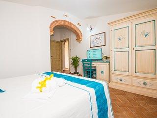 Micali 4 - Camera matrimoniale con bagno privato.
