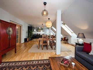 Spacious 'Treetop' Apartment In Prague by easyBNB