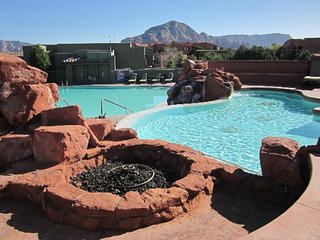 STUDIO FOR 4~ SEDONA SUMMIT RESORT~ STUNNING VIEWS~ HEATED POOLS~ BOOK 2019 NOW