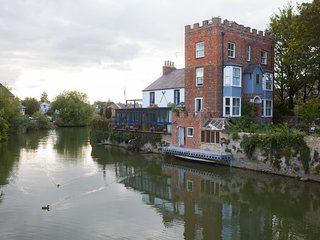 Studio Lavandula- Luxury apartment on an island in the historic centre of Oxford