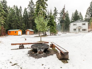 NEW LISTING! Secluded home with private hot tub and stunning Stuart Mtn views!