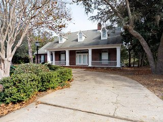 NEW LISTING! Updated coastal home w/yard, firepit & screened porch- near beaches