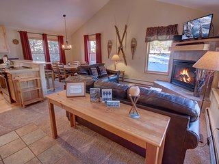 Snake River 26 Spacious 2 bedroom Townhome by SummitCove Lodging