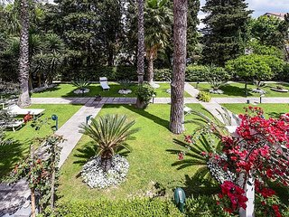4 bedroom Villa in Sorrento, Campania, Italy : ref 5228585