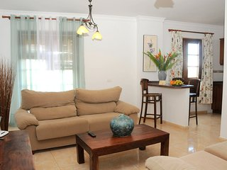 Spacious apartment in the center of Buenavista del Norte with Parking, Internet,