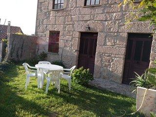 Spacious apartment in Unhais da Serra with Parking, Internet, Garden