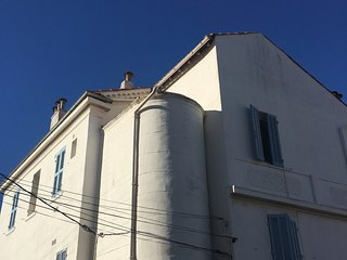 Cosy studio close to the center of Toulon with Parking